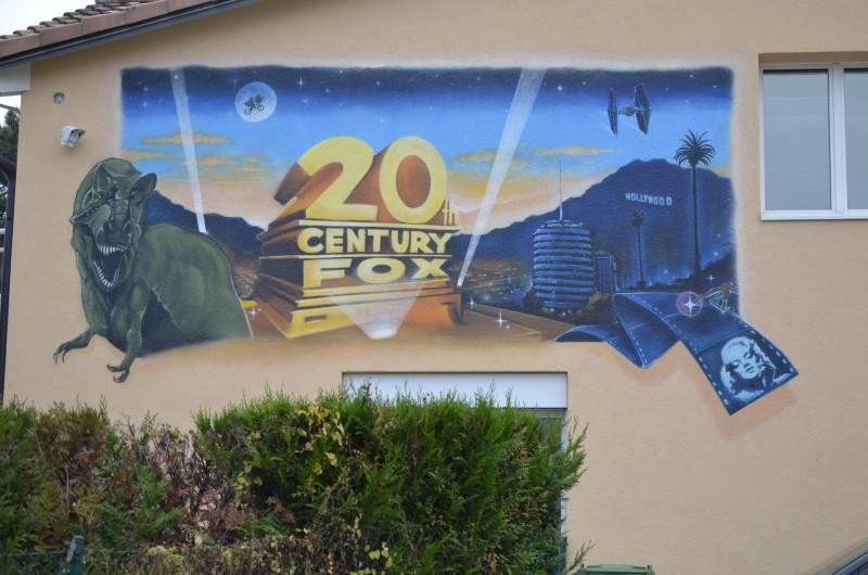 trompe-l-oei-suisse-hollywood-dinosaure-marylin-monroe-graffiti-fresque-et-losangeles